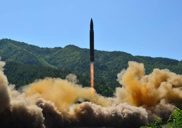 Tir d'un missile balistique  Hwasong-14