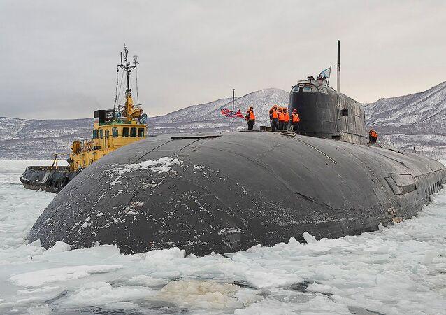 Le sous-marin nucléaire russe K-150 Tomsk