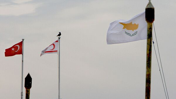 From the right to left, Cyprus,Turkish Cypriot state and Turkish flags - Sputnik France