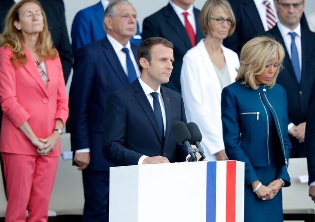 Emmanuel Macron et Brigitte Macron pendant la parade du 14 Juillet