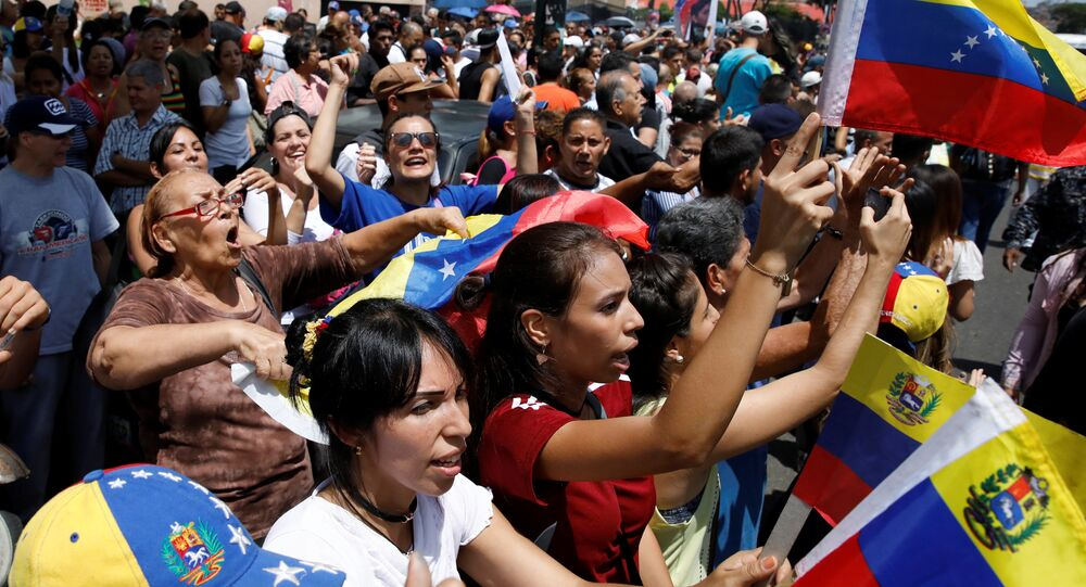 Venezuela: le département d'État ordonne le rapatriement des familles des diplomates US