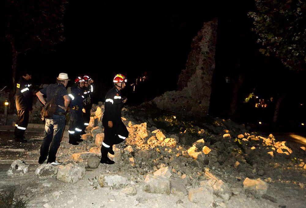 Les conséquences du séisme en Grèce et en Turquie