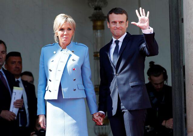Brigitte, c'est chic! Quand un fan italien s'imagine la vie de la Première dame française