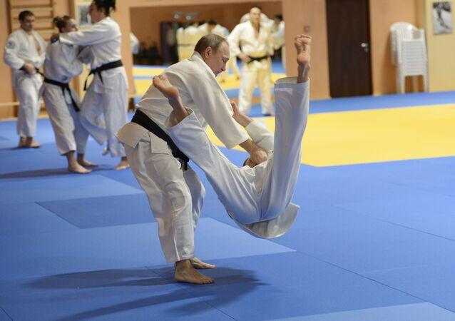 Entraîneur de l'équipe nationale russe du judo: «Poutine est un très bon judoka»