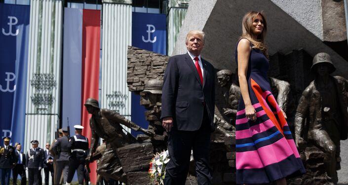 Melania Trump portant les escarpins à talons aiguille