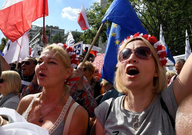 Réforme judicaire en Pologne manifestations massives