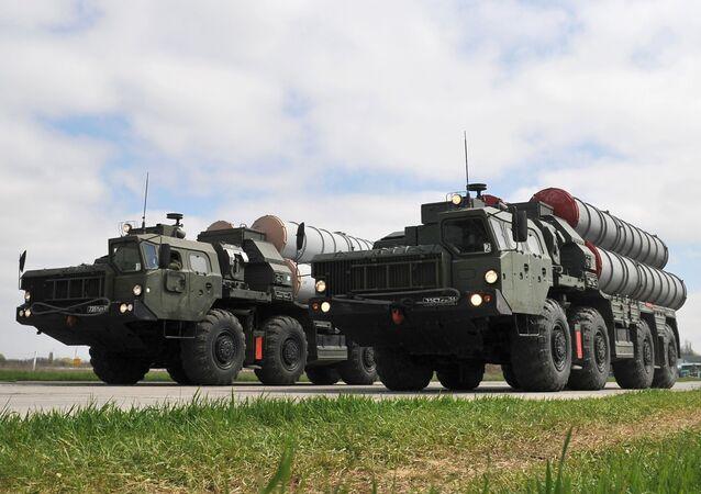 L'angoisse ou le chantage: comment expliquer la réaction US à l'achat des S-400 par Ankara