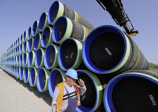 des tuyaux pour la construction du gazoduc Nord Stream 2