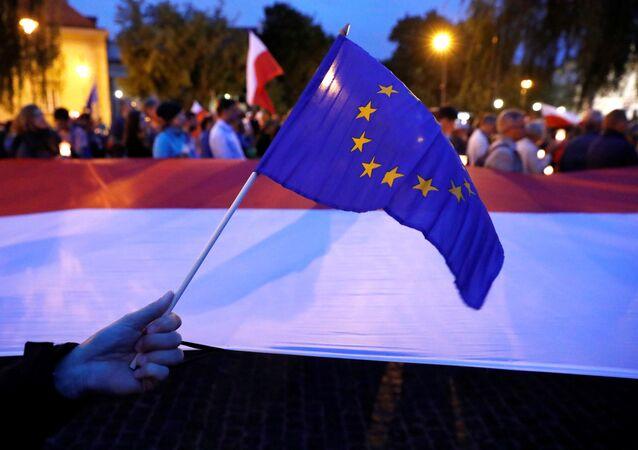Drapeaux européen et polonais