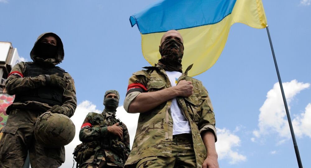 Des combattants du mouvement ultranationaliste ukrainien Pravy Sektor