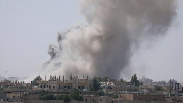La province de Raqqa en feu - Sputnik France