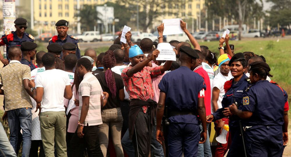 Congolese police detain protestors demanding that President Joseph Kabila leave power by the end of the year in Kinshasa, Democratic Republic of Congo, July 31, 2017. Picture taken July 31, 2017.
