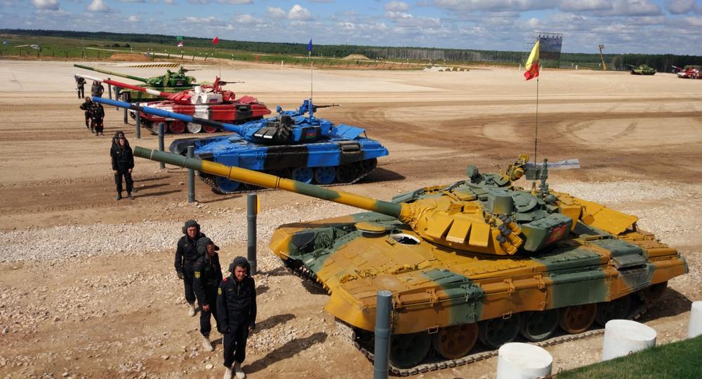 Le Biathlon de chars de combat à Alabino