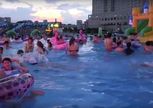 Voici comment il faut supporter la chaleur au Japon!