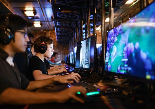 Des joueurs d'e-sports