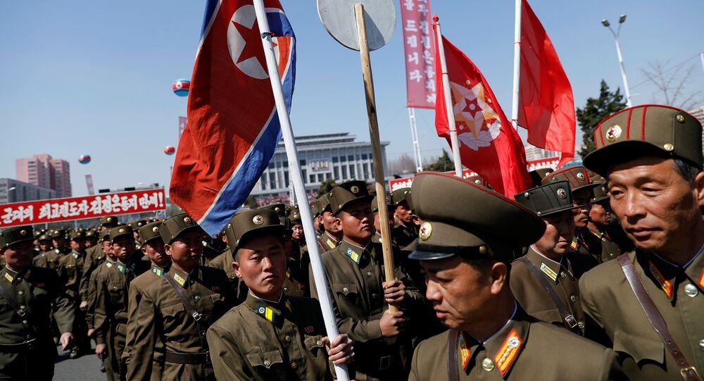 Soldats nord-coréens à Pyongyang