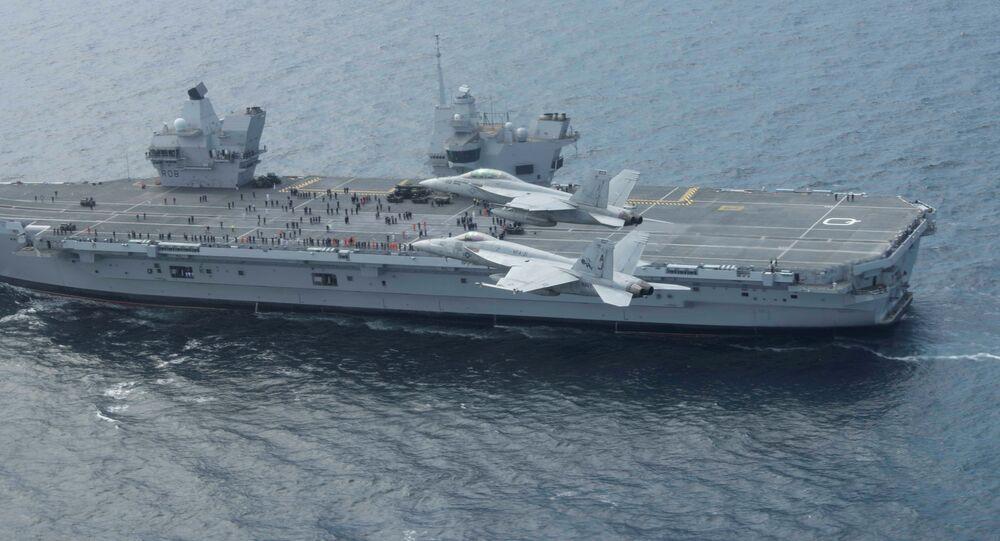 Le HMS Queen Elizabeth pendant les exercices  Saxon Warrior dans l'océan Atlantique