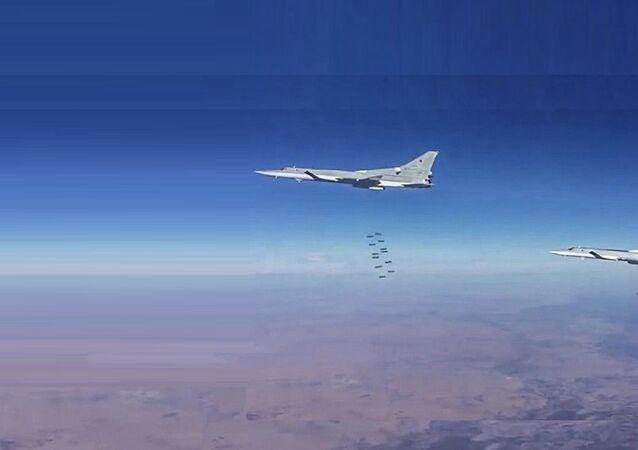 Les bombardiers russe en action dans la province syrienne de Deir ez-Zor