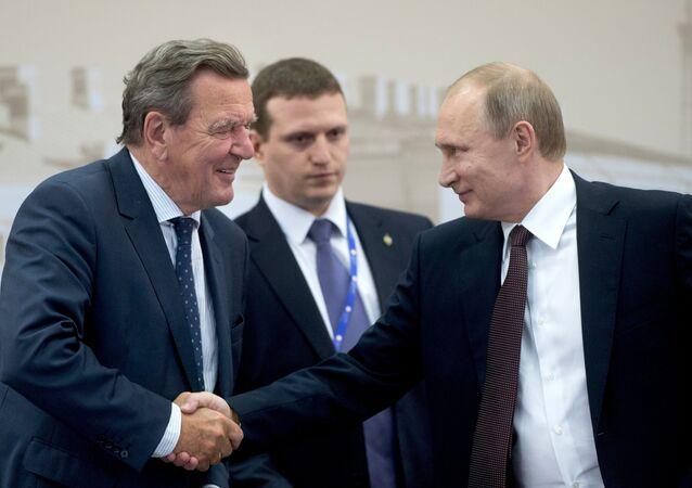 Gerhard Schröder et Vladimir Poutine