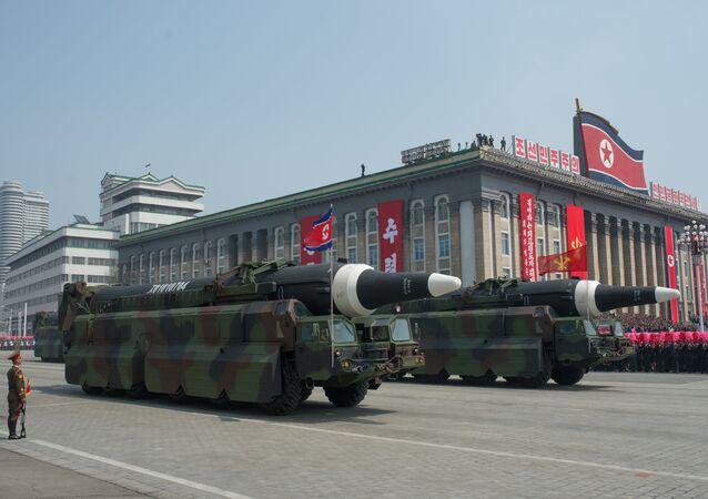 Missiles nord-coréens lors d'un défilé militaire à Pyongyang