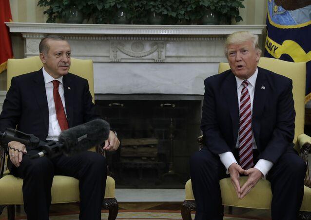 Donald Trump et Recep Tayyip Erdogan au Bureau oval de la Maison-Blanche