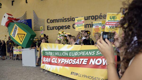 Une protestation contre le glyphosate en Europe - Sputnik France
