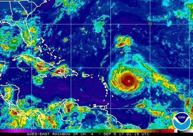 Bilan «lourd et cruel» après le passage d'Irma: 95% de Saint-Martin détruite, des victimes