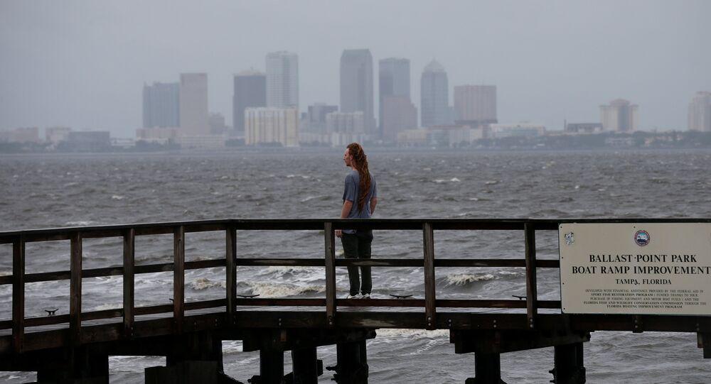 Irma avance à vitesse grand V et fait trois premières victimes en Floride