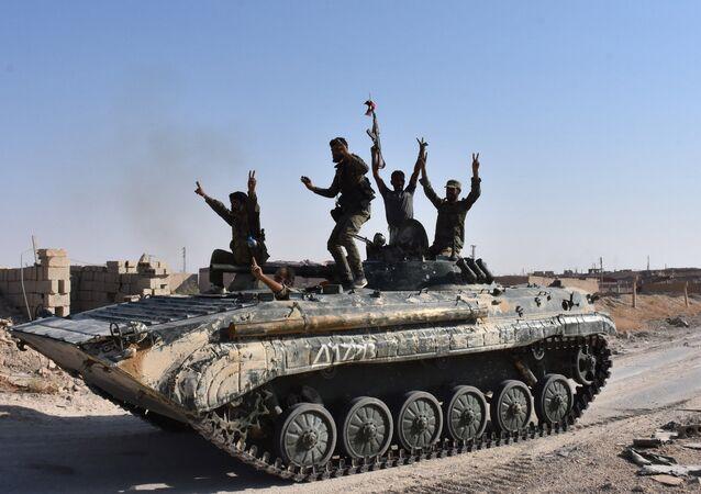 L'armée syrienne repousse l'attaque de Daech contre l'axe Palmyre - Deir ez-Zor