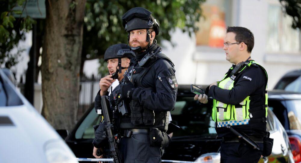 Explosion dans le métro à Londres: le quartier sera longtemps bouclé pour une enquête