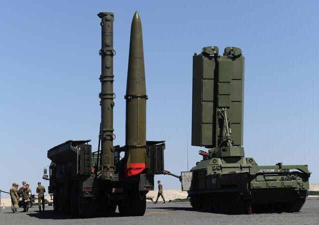 Systèmes de missiles sol-air S-400