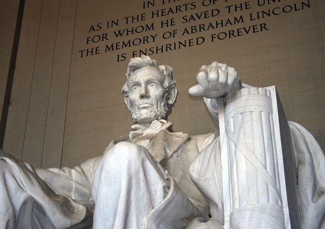 «Nurt était ici»: le mémorial de Lincoln vandalisé à Washington