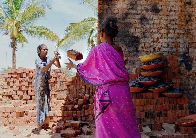 Environ 152 millions d'enfants âgés de 5 à 17 ans sont victimes du travail précoce
