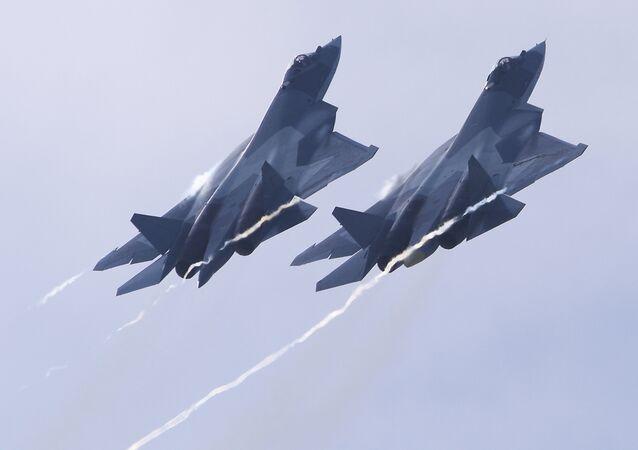 Chasseurs russes de cinquième génération Su-57
