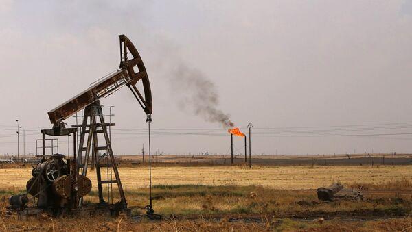 Extraction de pétrole en Syrie - Sputnik France