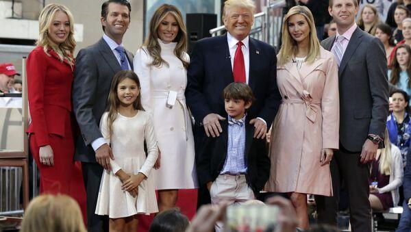 Les contribuables US payent au prix fort les vacances de la famille Trump - Sputnik France