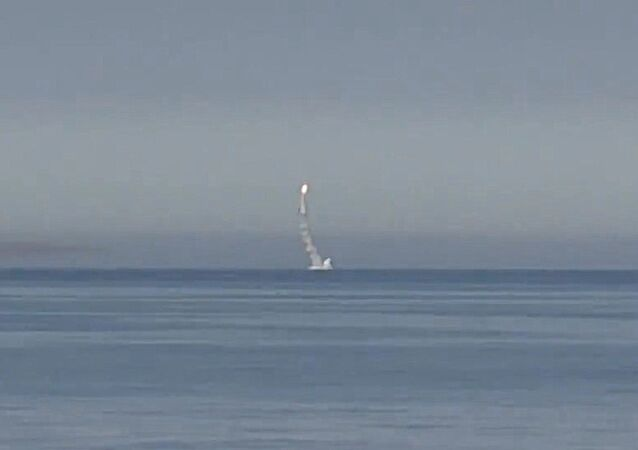 Lancement depuis des sous-marins des missiles Kalibr contre Daech