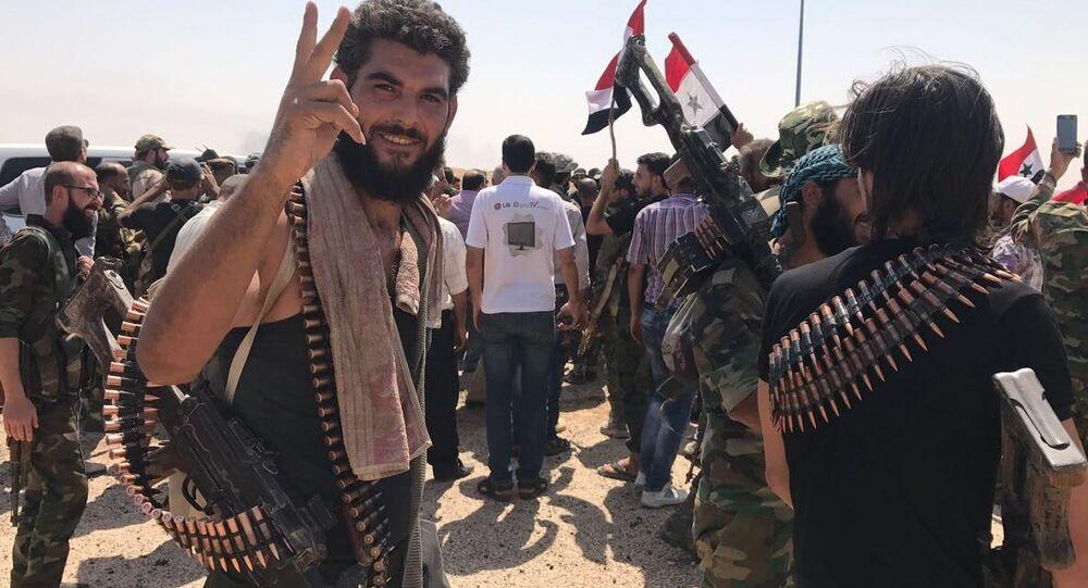 Des soldats syriens dans le sud de Deir ez-Zor après la rupture du siège