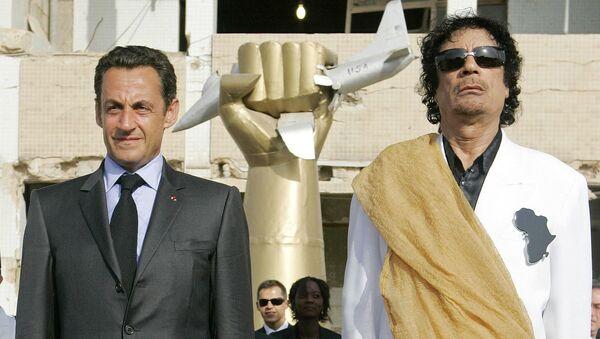 Nicolas Sarkozy et Mouammar Kadhafi - Sputnik France