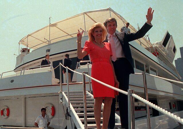 Donald Trump et sa première épouse Ivana en 1988