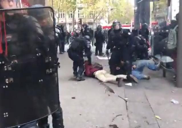Images choquantes de la manifestation à Paris