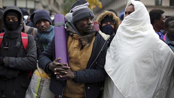 Migrants à Paris - Sputnik France