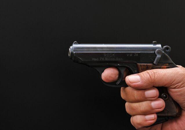Un pistolet