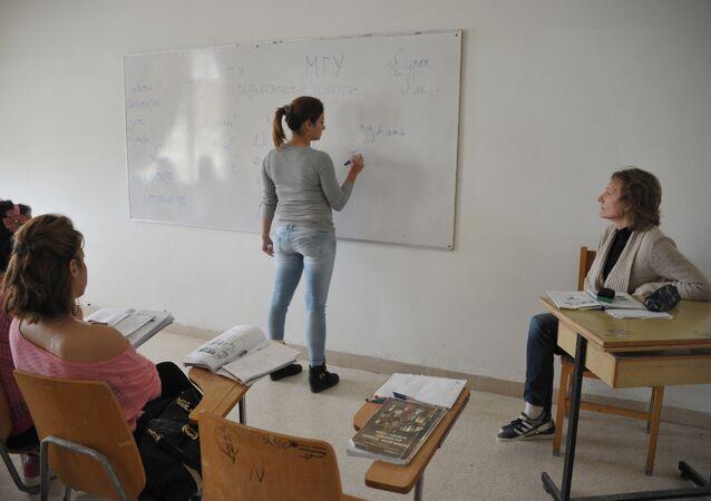 Des étudiants en classe
