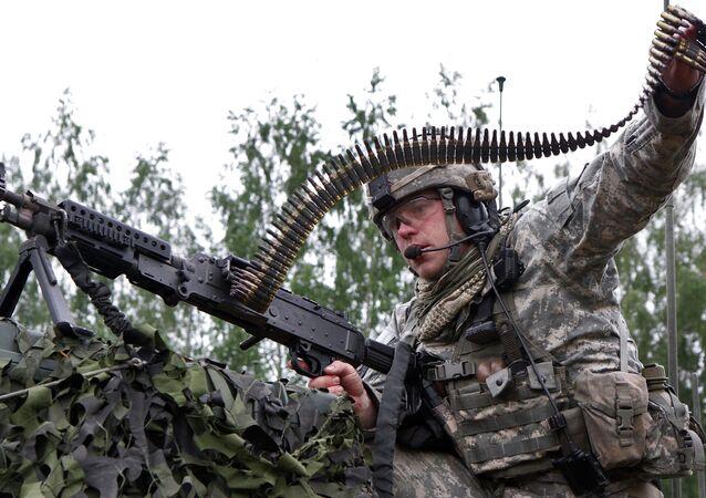 Soldat de l'Otan en Lituanie. Image d'illustration