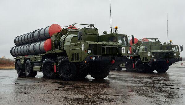 Les systèmes de missiles sol-air S-400 Triumph - Sputnik France