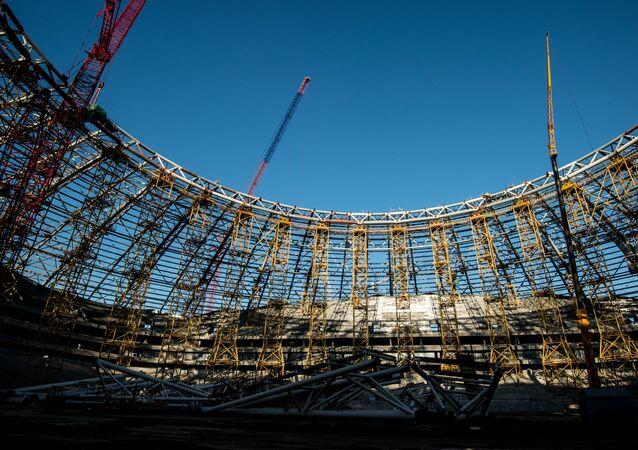 Строящийся стадион Самара Арена в Самаре.