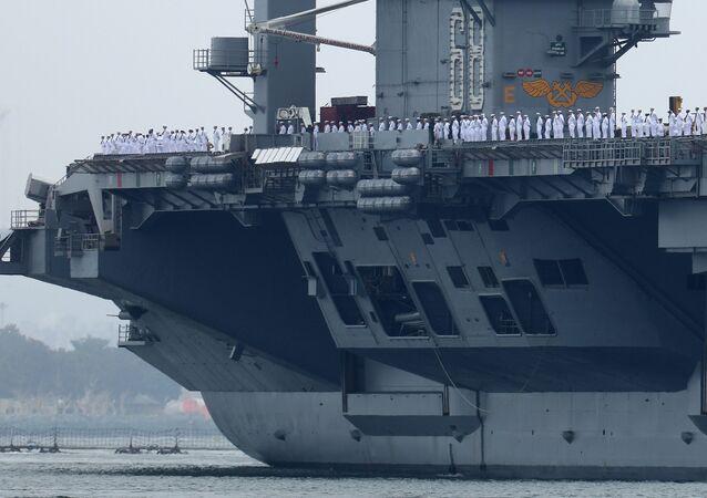Le porte-avions USS Nimitz