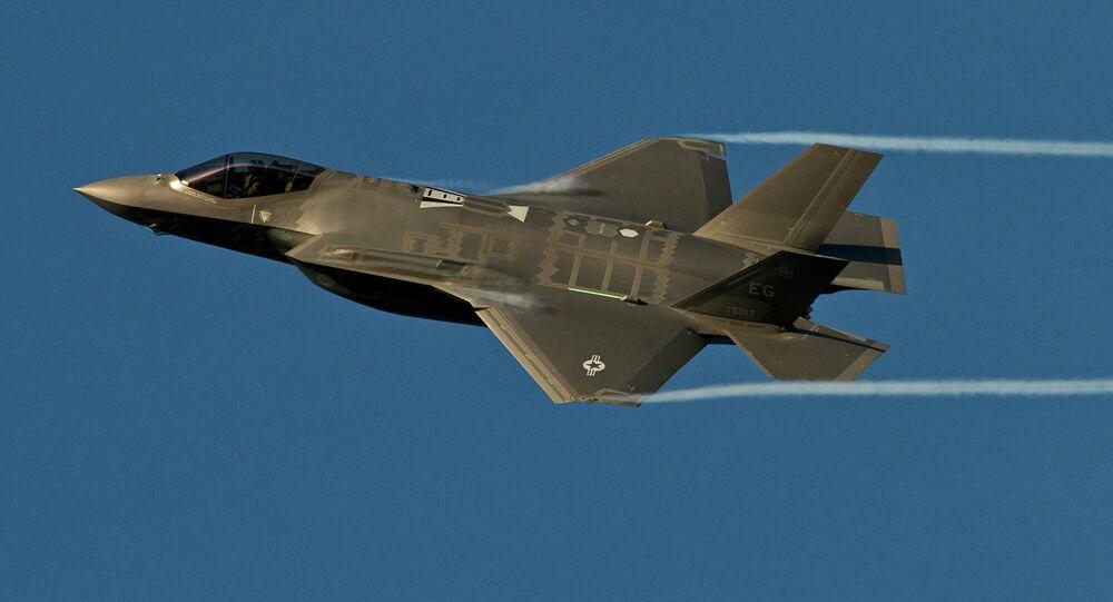 Le chasseur furtif F-35