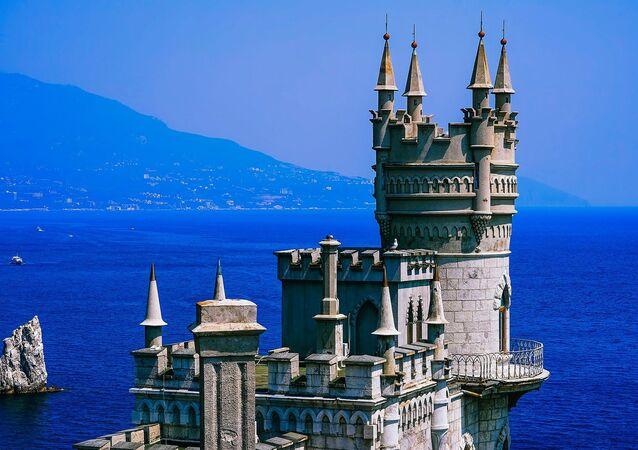 Les palais et les châteaux de Crimée